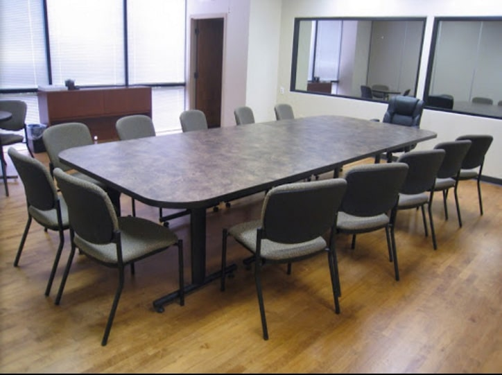 Focus group room with 1-way mirror, seating 10-12 participants. Courtesy: AOC Research.